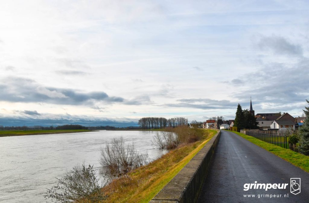 Uitzicht over de Maas vanuit België, Grimpeur