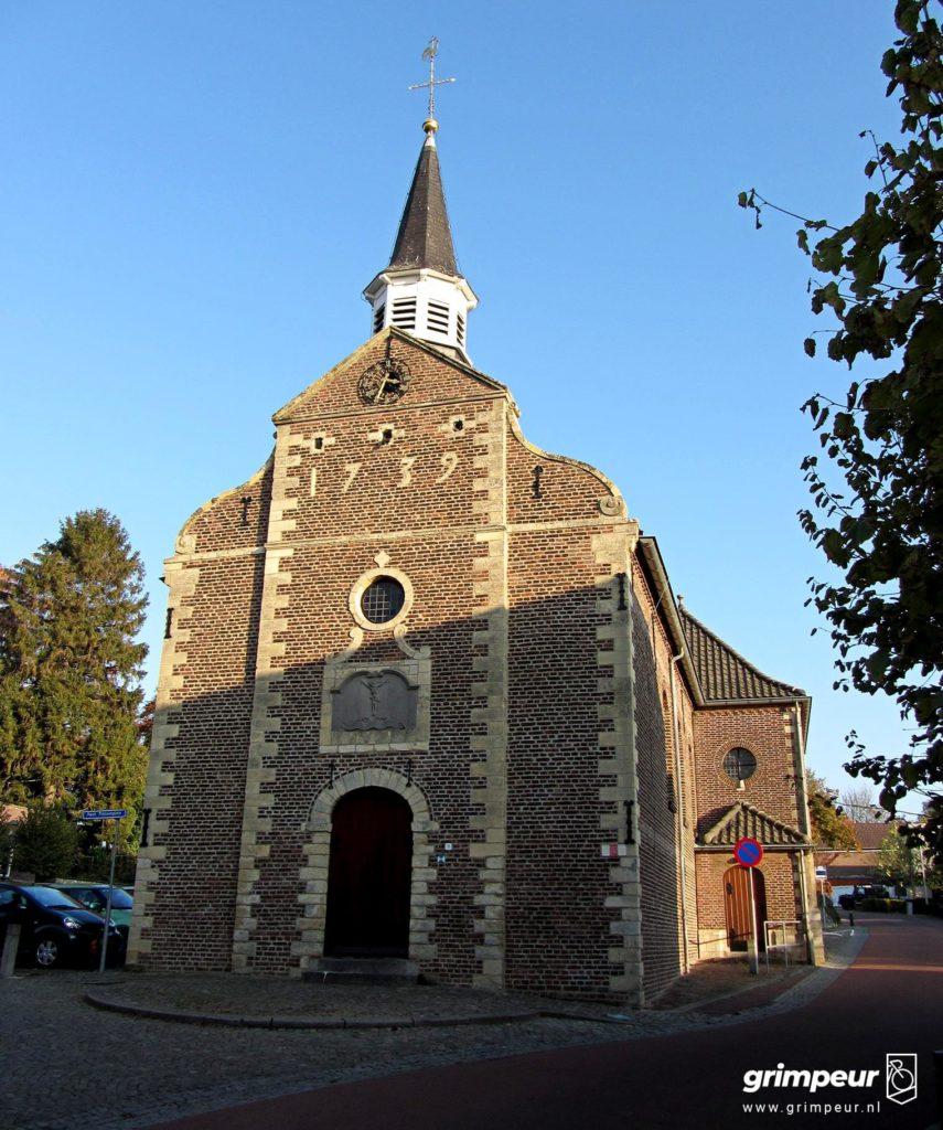 Het oude kerkplein halverwege de Sweikhuizerberg