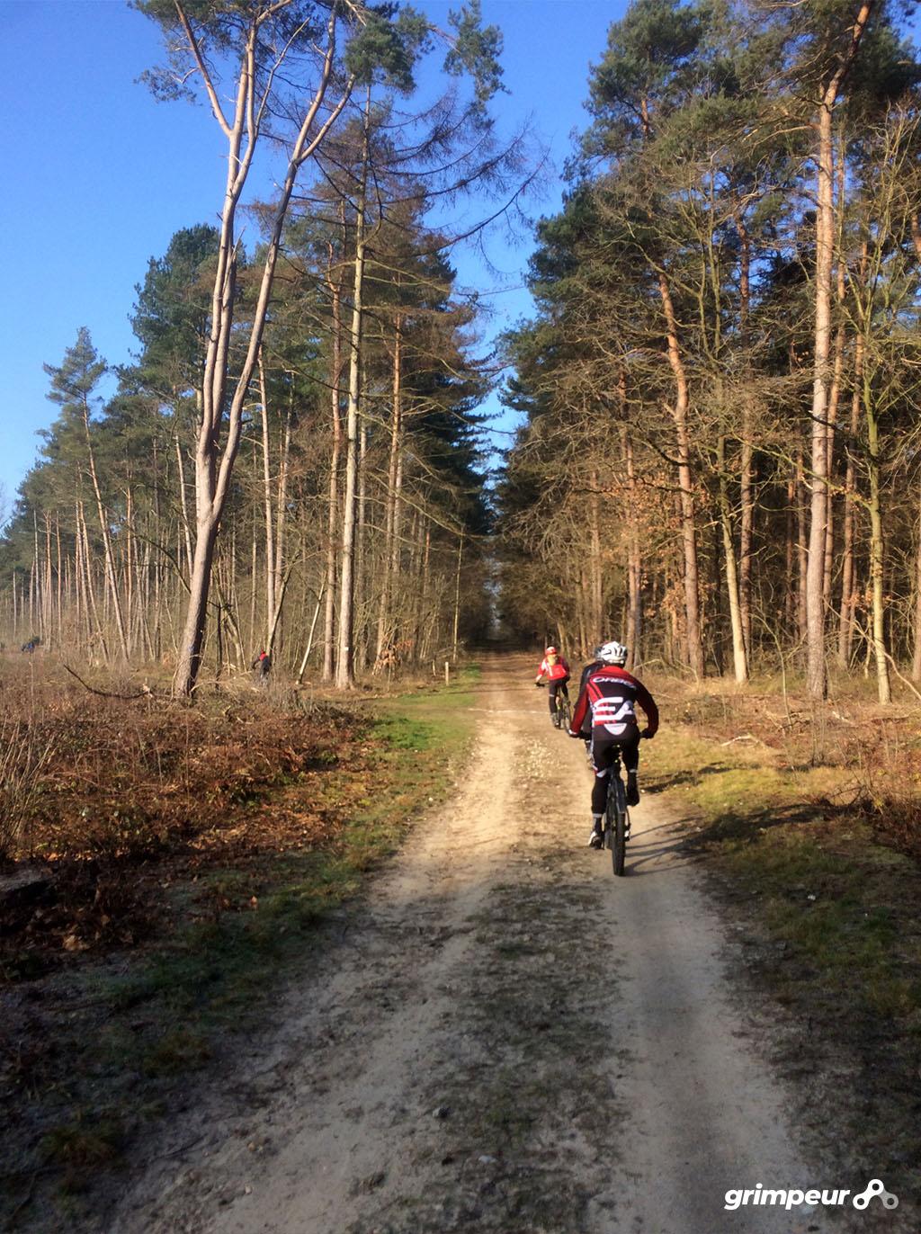 Blijf fit in de winter en houd je conditie op pijl met mountainbiken