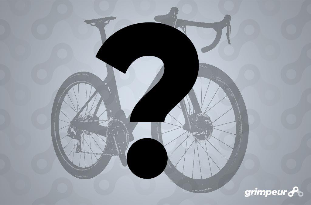 Eerste wielrenfiets, eerste wielerkleding