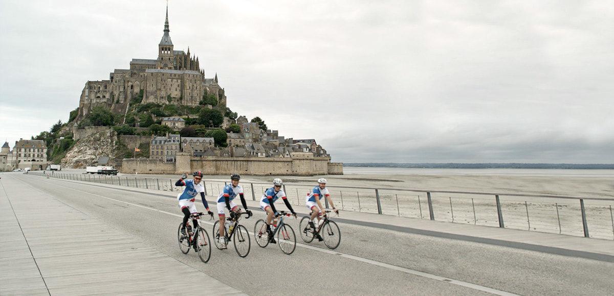 Vertrek Coureurs du Courage Mont-Saint-Michel