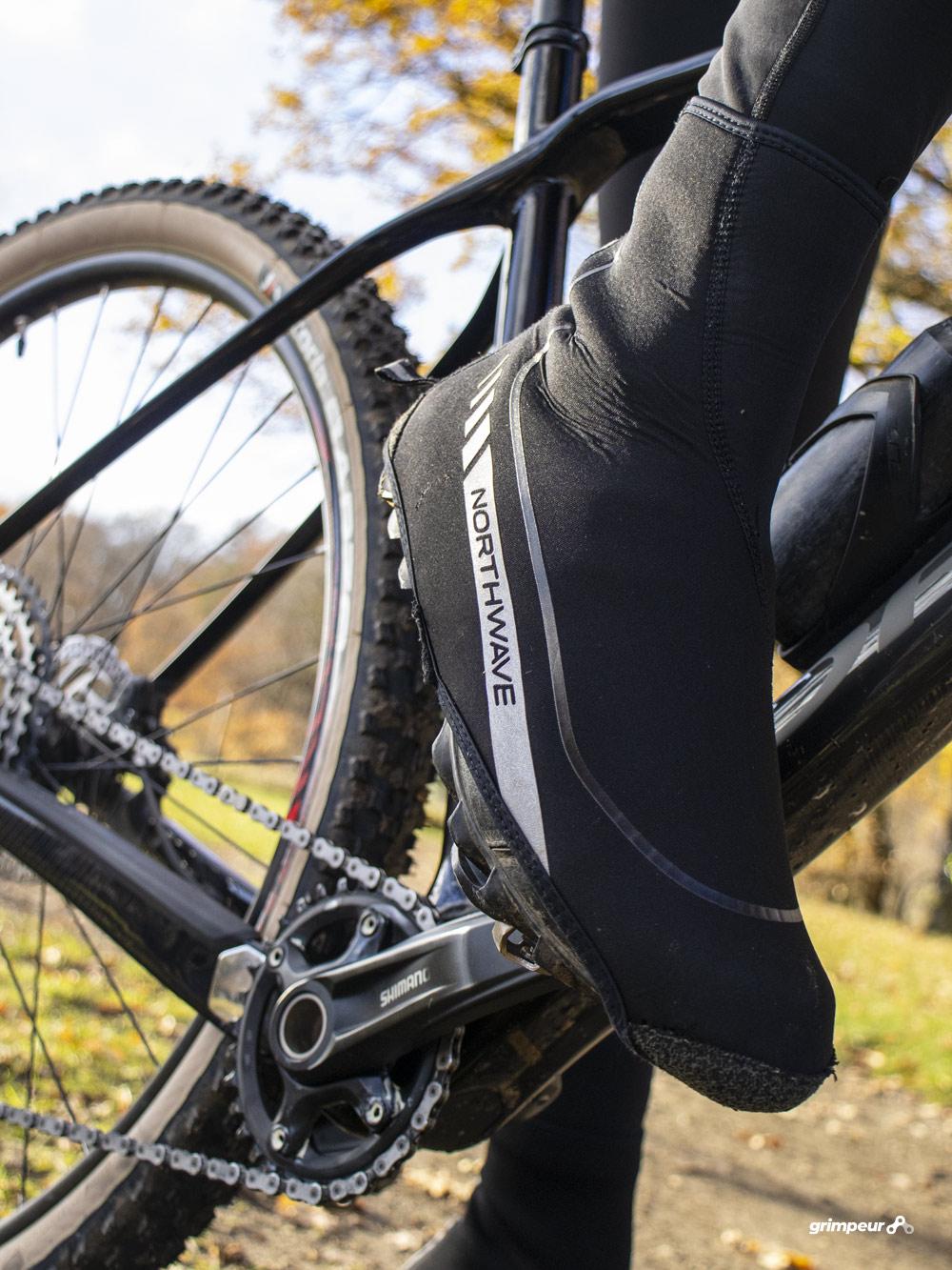 Overschoenen voor warme voeten tijdens het fietsen